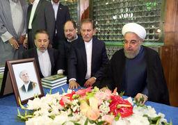 روحانی در مرقد امام راحل: ما نسل اولی ها باید خانه را جارو بزنیم و تحویل نسل جدید بدهیم/ مشکلات فعلی اقتصادی به سبب تقصیر وقصور دولت نیست