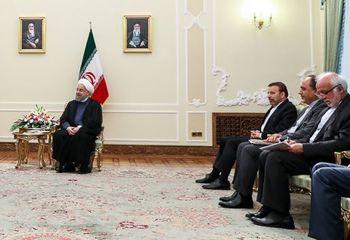 کابینه دوازدهم / رئیس دفتر جدید روحانی کار خود را آغاز کرد + عکس