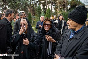 تصاویر هنرمندان در مراسم تشییع «تورج شعبانخانی»