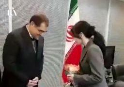 ملاقات وزیر بهداشت با «یانگوم» و تقدیر از او بخاطر کمک به زلزلهزدگان ایران + عکس