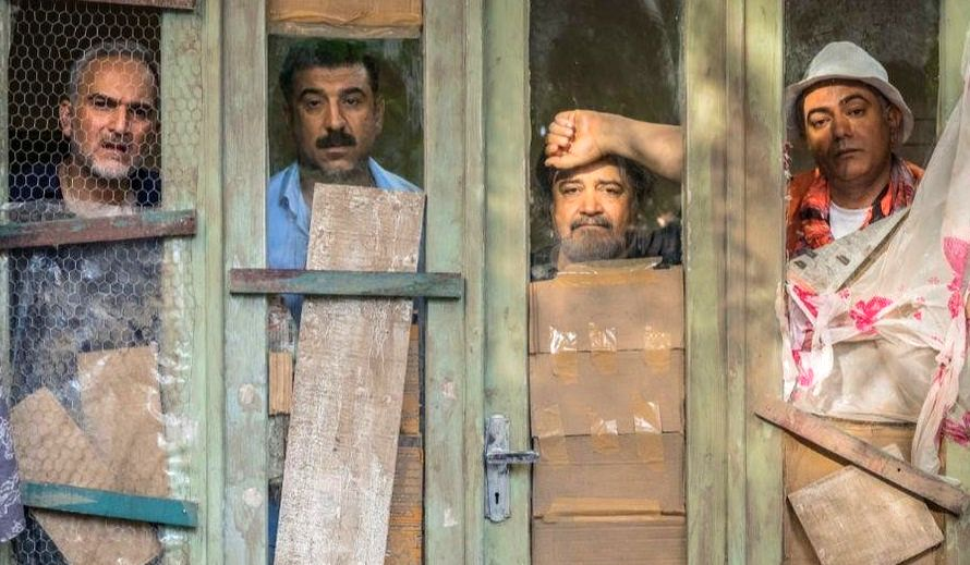 صدرنشینی فیلم «کلوپ همسران» در هفته نخست اکران/افت فاحش فروش سینماها در شروع فصل مدارس
