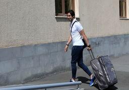 سلام نظامی یک فوتبالیست در صحن امام رضا(ع) بحث برانگیز شد +عکس