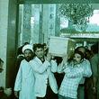 عکسهایی از مراسم تشییع مرحوم علی شریعتی؛ کدام چهرهها برای مراسم خود را به دمشق رساندند؟