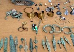 کشف ۴۰ قلم اشیاء عتیقه با قدمت هزار سال در گنبدکاووس
