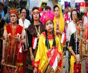 پوشش متفاوت زنان در مراسم افتتاحیه بازیهای آسیایی اندونزی
