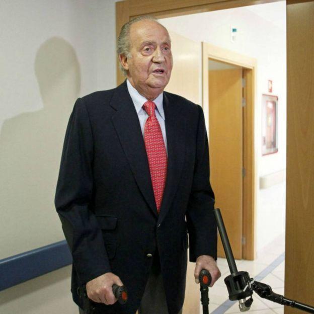 خوان کارلوس در بیمارستان