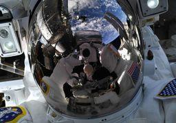 سلفی فضانورد ناسا در فضا + عکس