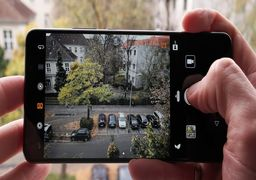 تماشای فیلم با گوشی موبایل صنعت فیلمسازی را نابود میکند!
