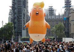 پرواز بالون ترامپ بر فراز ساختمان پارلمان انگلیس