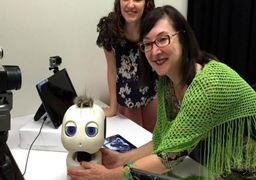 آموزش زبان به کودکان ناشنوا توسط یک ربات