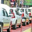 پرده برداری از علت انباشت خودروهای کف پارکینگ خودروسازان