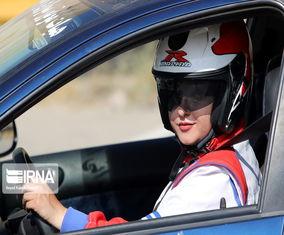 تصاویری از حضور زنان در مسابقات اتومبیلرانی اسلالوم قهرمانی کشور