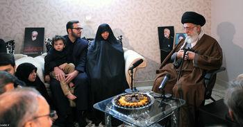 حضور مقام معظم رهبری در منزل سردار همدانی