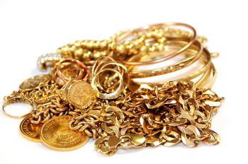قیمت طلا و سکه کاهش یافت/ گرانی طلا در روز پدر خنثی شد