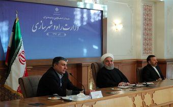 روحانی: تفکیک وزارتخانهها ضروری بود / چه اشکالی دارد بنزین را دونرخی کنیم/ کسی که شعار میدهد به مردم بگوید برجام و افایتیاف نباشد چه میشود