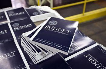 کرونا کسری بودجه آمریکا را چهار برابر میکند