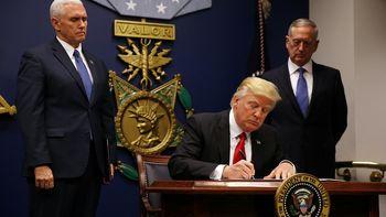 قانون ممنوعیت سفر ترامپ؛ هزاران خانواده از هم جدا افتادهاند