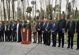 روحانی در جمع خبرنگاران: دولت نه خسته است، نه ناامید/ مهار نسبی قیمت ارز مطلوب نیست