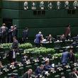 پاتوق پایداریها در یک نقطه پارلمان/ مذاکره برای انتخاب بدون قرعهکشی صندلی سبز مجلس