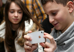 آمار اعتیاد کودکان آمریکایی به موبایل