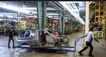 آخرین قیمت وضعیت بازار خودرو/جایگزین پراید چقدر قیمت خورد؟
