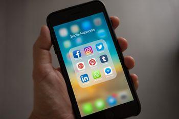دولت انگلیس شبکه های اجتماعی را جریمه می کند