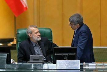 لاریجانی به نمایندگان: می خواهم ماسکم را بردارم، جلو نیایید/حواشی صحن مجلس