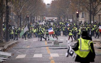 گزارش میدانی از اعتراضات پاریس؛ کف خیابان در تسخیر جلیقه زردها؛ در آرزوی آرمانهای انقلاب