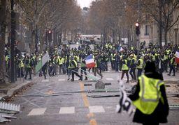 ازدواج دو جلیقه زرد وسط معرکه پاریس +عکس