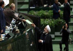 روحانی با بودجه ۹۹ در مجلس: با مقاومت کشور را اداره میکنیم