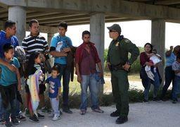 قانون جدید مهاجرتی ترامپ / برای جلوگیری از ورود مهاجران به خاک آمریکا به پای آنها شلیک شود