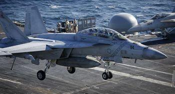 سقوط جنگنده اف 18 آمریکا در کالیفرنیا