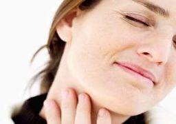 گلو درد را در خانه به این روش درمان کنید  درمان گلو درد و درمان خانگی گلو درد