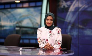 اولین گوینده خبر با حجاب کامل در آمریکا + عکس