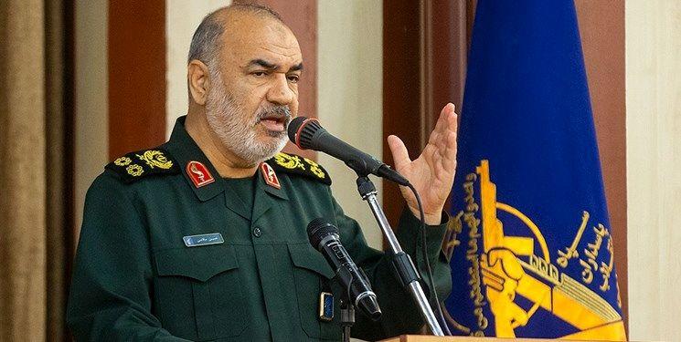 سرلشکر سلامی: امنیت خواسته بلاواسطه مردم است/ نفوذ در قلب مردم باور سپاه است