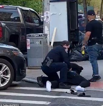 ویدئو| برخورد خشن پلیس با افراد ناقض قوانین فاصلهگذاری در نیویورک +تصاویر