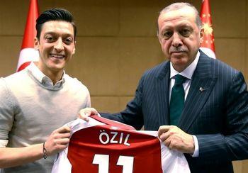 ضرر مالی هنگفت اوزیل به خاطر ارتباط با اردوغان !