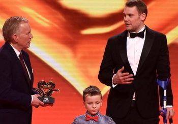 جایزه «قلب طلایی» برای دروازه بان فوتبال