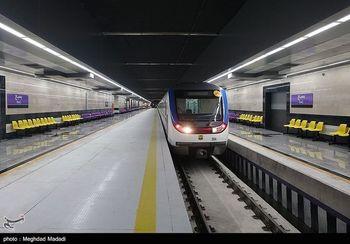 ایستگاه مترو یا بازار شام ! +عکس