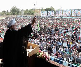 تصاویر حضور حسن روحانی در جمع مردم شیروان