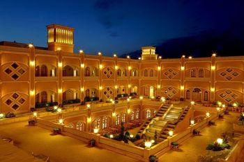 بهترین هتلهای تاریخی یزد برای اقامت کدامند؟