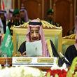 ملکسلمان: از راهحلهای سیاسی برای پایان بحران یمن و سوریه حمایت میکنیم