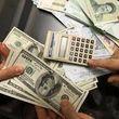 بازار دلار شبیه بمب ساعتی شده است