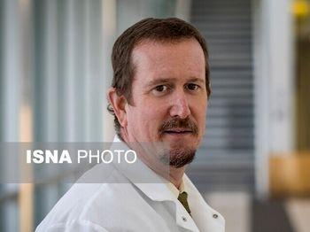 مدیر آزمایشگاه بهداشت آمریکا: واکسن کرونا مشکلی را از بین نخواهد برد