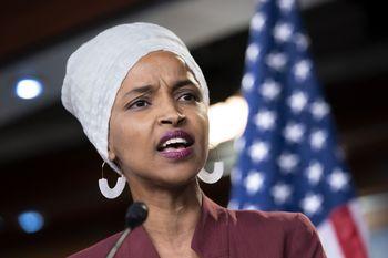 اظهارات توهین آمیز ترامپ علیه نماینده زن مسلمان کنگره آمریکا