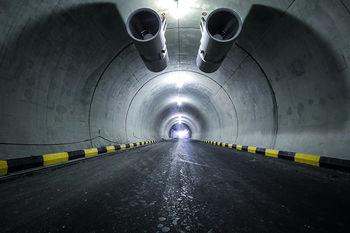 عبور از تونلهای شهر تهران با پرداخت پول