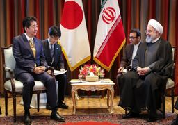 روحانی با نخستوزیر ژاپن دیدار کرد