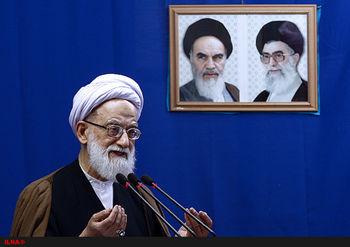 امام جمعه تهران: ۲۲ بهمن هرکسی در خانه بنشیند جفا کرده/ مردم پای صندوقها رأی بیایند تا دشمن مبهوت شود