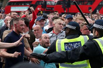 تظاهرات گروههای راست افراطی و ضد فاشیست در لندن برگزار شد
