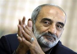 شریعتمداری: آقای روحانی در اولین روز انتخاب خود سایه جنگ را از آمریکا هدیه گرفت
